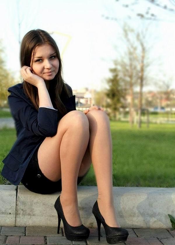 Фотографии голых красивых русских студенток, в троем в постели порно смотреть
