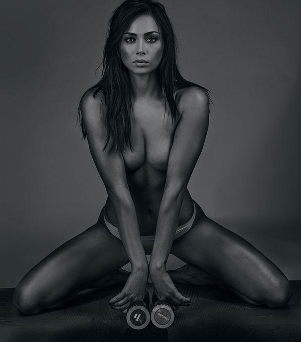 eroticheskie-foto-s-mulatkami