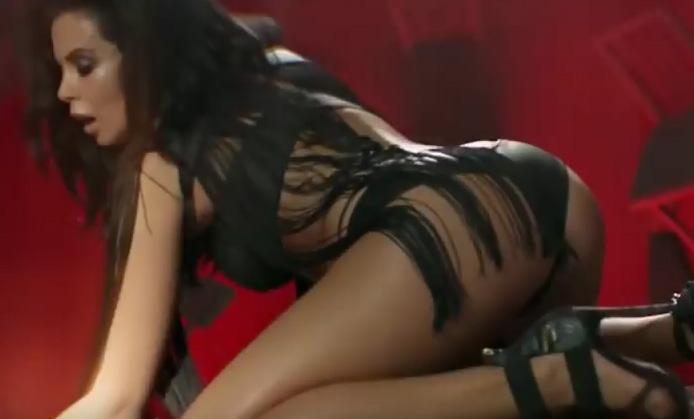 perviy-seks-nasti-kamenskih-video